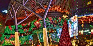 ION OChard Road lung linh trong lễ Giáng Sinh
