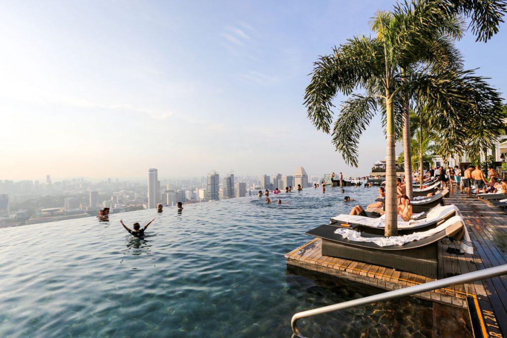 Bể bơi khách sạn Marina Bay Sand