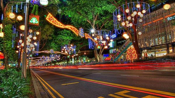 Đại lộ Orchard - con đường mua sắm nổi tiếng của Singapore