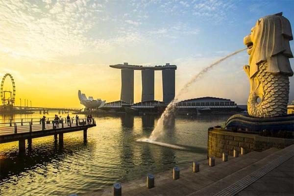 Vịnh Marina nhìn từ công viên Merlion Singapore