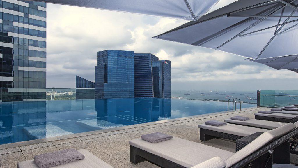 Bể bơi vô cực của khách sạn The Westin Singapore