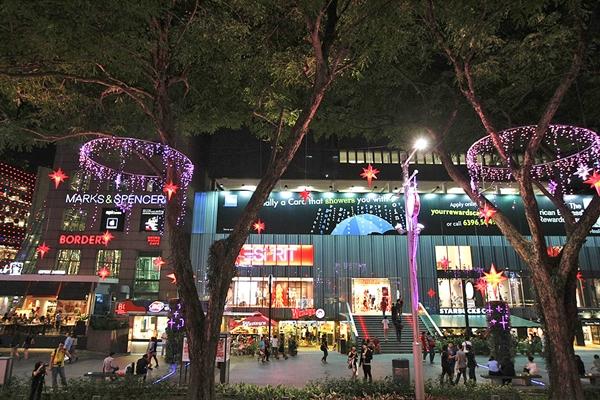 Orchard Road - điểm mua sắm nổi bật tại Singapore
