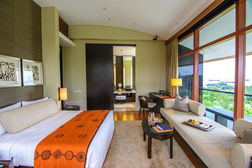 Phòng ốc hiện đại và sang trọng của khách sạn Capella Singapore trên đảo Sentosa